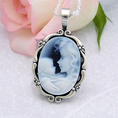 Close up view of Forever Loved Mothers Cameo necklace
