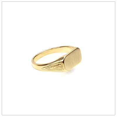 14kt gold signet ring for boys in a handsome design with patterned sides.
