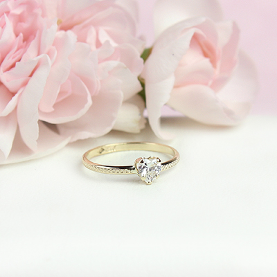 April heart shaped birthstone ring for girls.