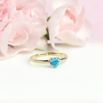 December 10kt heart shaped birthstone ring for girls.