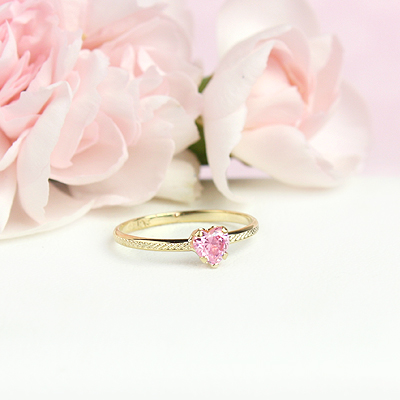 October 10kt heart shaped birthstone ring for girls.
