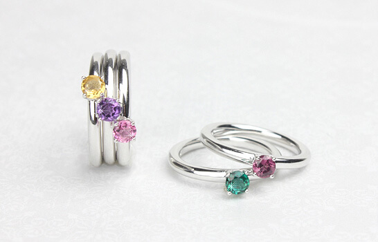 Sterling silver birthstone rings with solitaire birthstones. Birthstone rings for children, tweens, and teens.