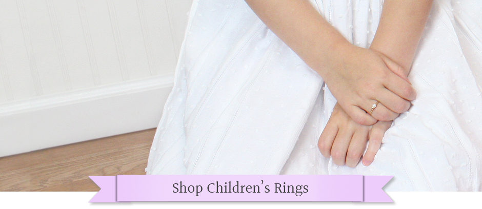 Rings for girls in sterling or gold. We offer a complete collection of kids rings.