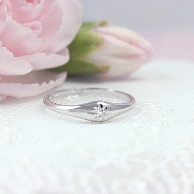 Sterling silver dome ring for girls with genuine diamond.