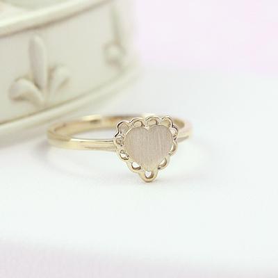 10kt Gold Heart Signet Ring
