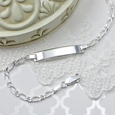 Silver id bracelet for kids in a traditional design. Front engraving is included.