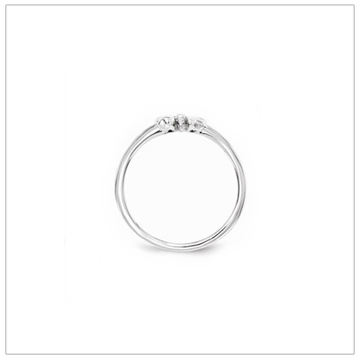 Kids bow ring in sterling silver with a dainty bow perched on the band. Kids ring available in two sizes.