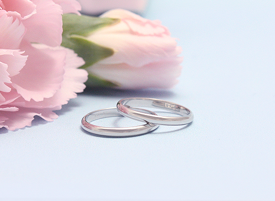 Children's traditional band rings in 14kt white gold.