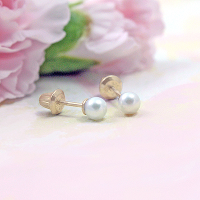 14kt white pearl screw back earrings for babies and toddlers.