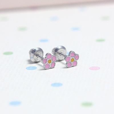 Adorable flower earrings for children shaped like pink daisies. Screw back earrings in sterling silver.