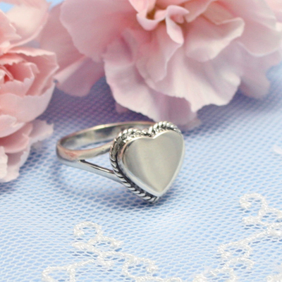 Heart shaped signet ring for girls with a rope border. Engraving is included on the signet ring.