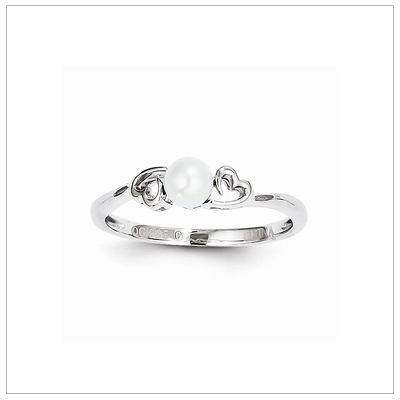 Girls Pearl and Heart Ring Size 7