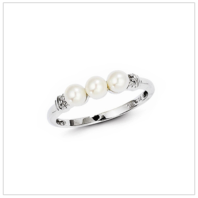 Girls Pearl and Diamond Ring, Size 6
