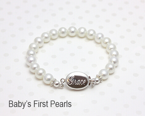 Baby and children's white pearl bracelet with engraved clasp.