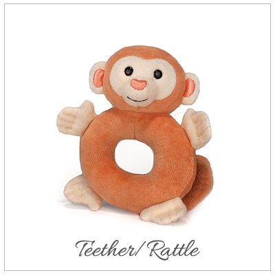 Monkey teether/rattle made of 100% organic cotton plush. Our baby gift is hypoallergenic.