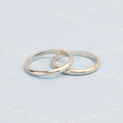 Sterling silver band rings to fit babies, toddlers, or children. Smooth polished band rings in fine quality.