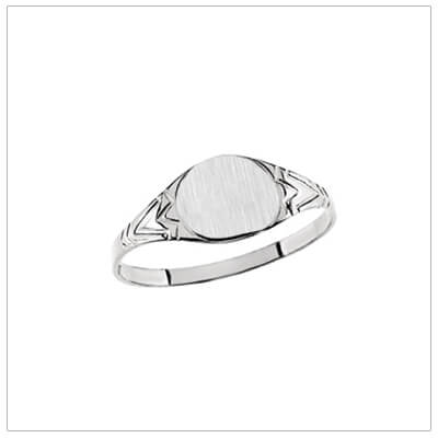 Boys signet ring in sterling silver with a round brushed front. Engraving included with our boys ring.