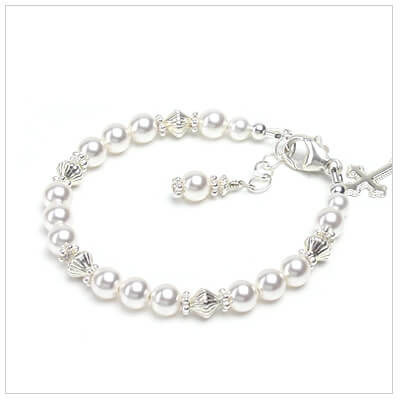 Swarovski pearl bracelet for girls perfect for baptism or First Communion.