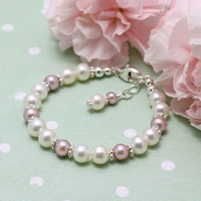 Cultured pearl bracelet for girls. Simple classic design. Add an engraved bead.
