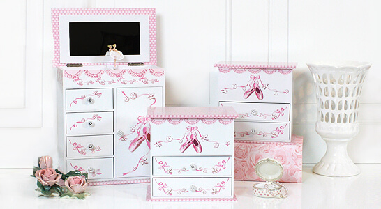 Pink and white ballerina jewelry boxes. The jewelry boxes for girls come in many beautiful designs.