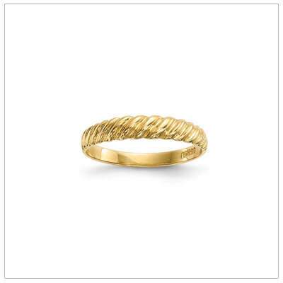 Girls 14kt gold ring with a twist design and 3mm wide band.