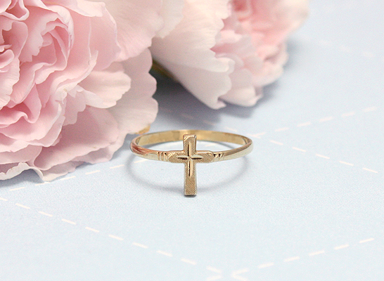 10kt gold Cross ring perfect for girls or boys.