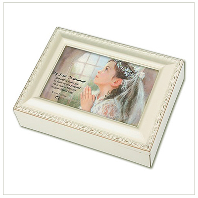 Keepsake memory box for girls First Communion in vintage white. Musical box is fully lined, hinged photo lid, and plays 'Ave Maria'.